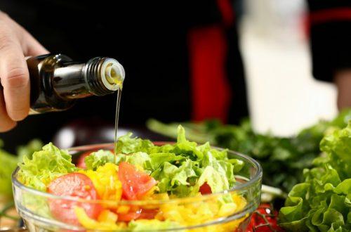 aceite de oliva virgen extra AOVE salud dieta mediterránea vitaminas nutrición saludable La Comunal